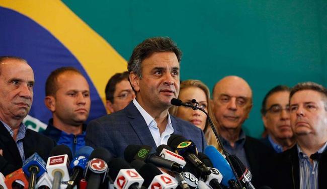Aécio ainda falou que chegou ao fim da campanha com a certeza de dever cumprido - Foto: Sergio Moraes | Agência Reuters