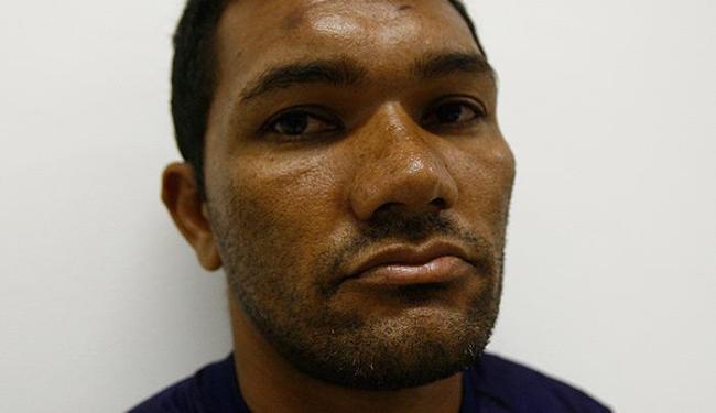Dedurado, Aparecido foi preso por policiais quando chegava para trabalhar - Foto: Fernando Amorim | Ag. A TARDE