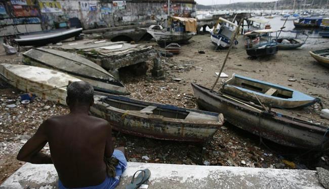 Para reaver os barcos, os donos precisarão apresentar os documentos da embarcação - Foto: Raul Spinassé | Ag. A TARDE | 10.09.2014