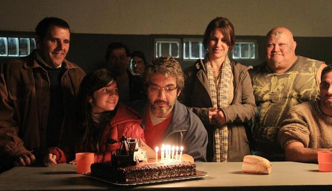 Num dos episódios do filme, o personagem de Ricardo Darín, perde a cabeça com a burocracia - Foto: Divulgação