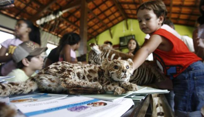 Coordenação do zoológico preparou uma programação diferente para os pequenos visitantes - Foto: Raul Spinassé | Ag. A TARDE | 28.09.2014