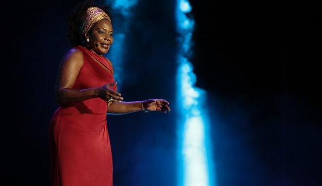 A cantora se apresenta no dia 6 de novembro no Largo Pedro Archanjo - Foto: Mila Cordeiro | Ag. A TARDE