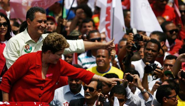 Dilma fez caminhada em Salvador nesta quinta - Foto: Raul Spinassé | Ag. A TARDE