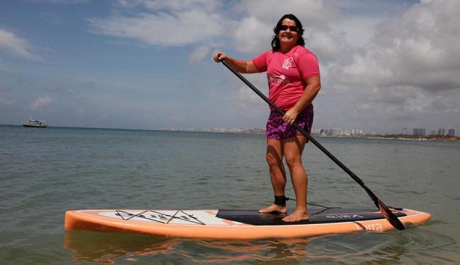 Eliane Santana, 53, estimula a prática do esporte - Foto: Edilson Lima | Ag. A TARDE | 17.10.2014