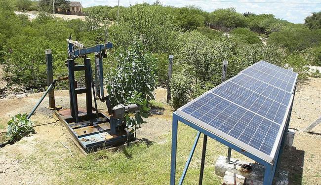 Energia solar é usada para mover motor de bomba d'água - Foto: Ivan Cruz | Ag. A TARDE