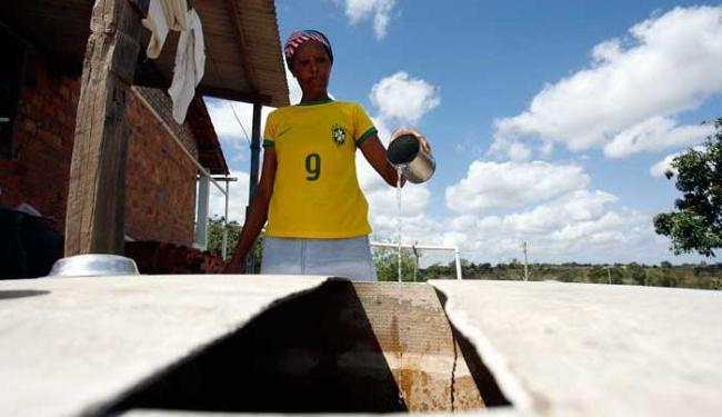 No distrito de São José, as cisternas estão quase vazias - Foto: Luiz Tito   Ag. A TARDE
