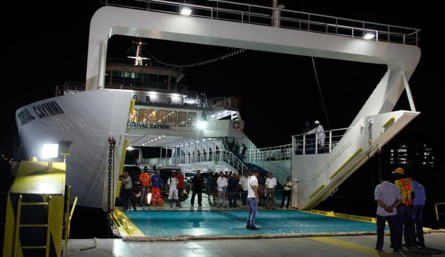 Embarcação, uma das duas novas da frota, fez primeira travessia com passageiros - Foto: Joá Souza   Ag. A TARDE   01.10.2014