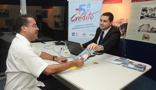 Melo (à esquerda) buscou orientação sobre gestão financeira - Foto: Marcelo Gandra | Coperphoto | Sistema Fieb