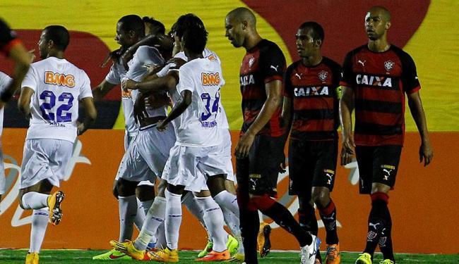 Jogadores do Cruzeiro comemoram gol de Dedé, aos 38 minutos do primeiro tempo - Foto: Eduardo Martins   Ag. A TARDE