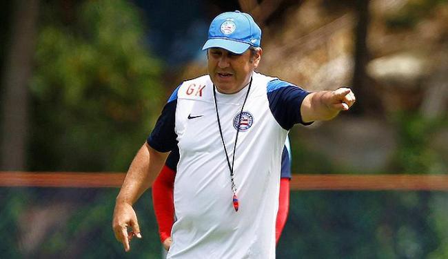 Técnico mantém dúvidas sobre o time que inicia o jogo neste sábado - Foto: Eduardo Martins | Ag. A TARDE