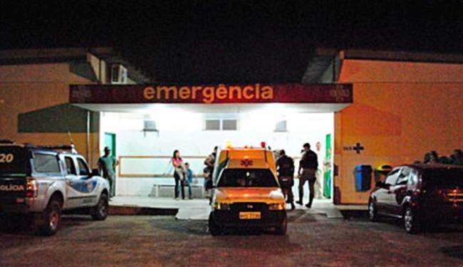 Mulher foi levada ao Hospital Geral de Vitória da Conquista - Foto: Blog do Anderson