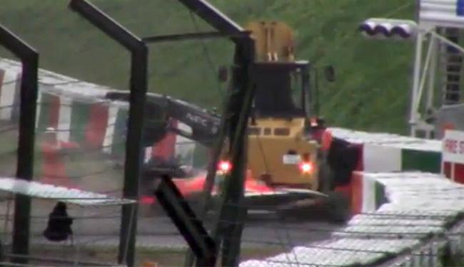 Carro do piloto francês Bianchi colidiu com um guindaste - Foto: Reprodução l Uol Mais