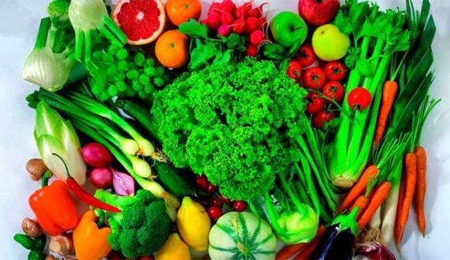 Comer frutas e legumes todos os dias ajuda a deixar a pessoa mais feliz - Foto: Divulgação