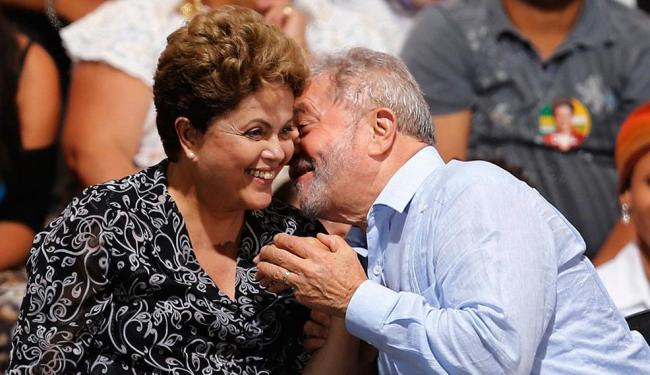 TSE entendeu que campanha de Dilma não pode divulgar imagem de Lula criticando Aécio - Foto: Paulo Whitaker | Agência Reuters | 20.10.2014