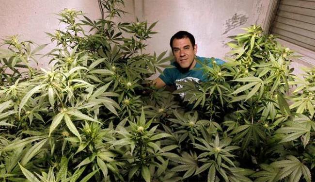 No Uruguai, a população pode plantar maconha para consumo próprio - Foto: Andres Stapff   Agência Reuters