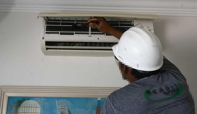 Há quatro vagas disponíveis para mecânico de ar-condicionado - Foto: Haroldo Abrantes | Ag. A TARDE