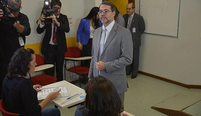 Presidente do TSE, ministro Dias Toffoli, vota em trânsito em zona eleitoral de Brasília - Foto: Fabio Rodrigues Pozzebom l Agência Brasil