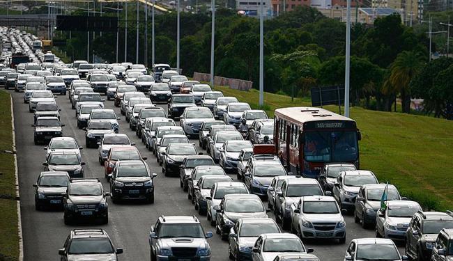 Mudanças preveem melhoras no fluxo de veículos nas principais avenidas da capital baiana - Foto: Joá Souza | Ag. A TARDE