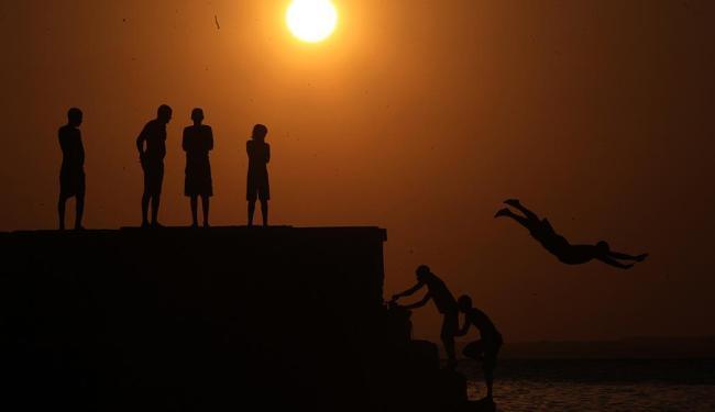 O horário de verão começa dia 19 - Foto: Lúcio Távora | Ag. A TARDE | 03.10.2011
