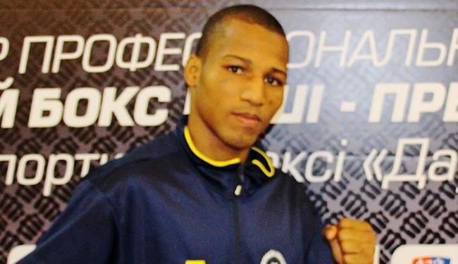 Robson Conceição retorna aos ringues em dezembro para disputar a semifinal - Foto: Mateus Alves l CBBoxe
