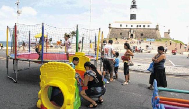 Área em frente ao Farol é palco de diversão - Foto: Luciano da Matta | Ag. A TARDE