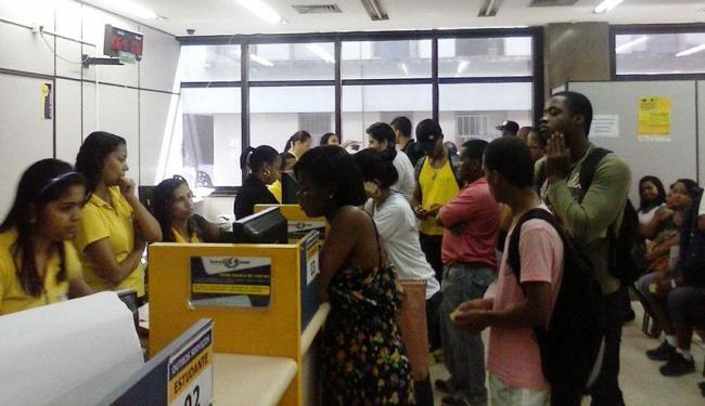usuários do Salvador Card se aglomeraram nos postos de atendimento - Foto: Michelle Lavinscki | Cidadão Repórter
