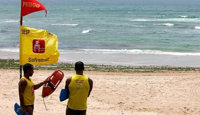 Há duas vagas temporárias disponíveis para a função de guarda-vidas - Foto: Foto: Eduardo Martins