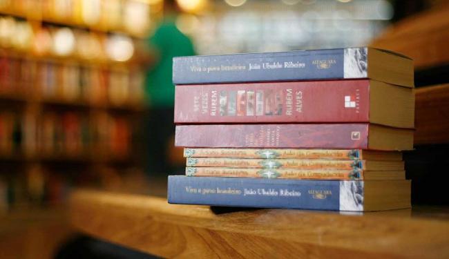 Doações de livros marcarão evento em comemoração à Semana Nacional do Livro - Foto: Raul Spinassé | Ag. A TARDE