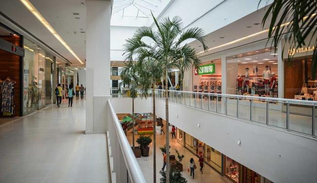 Alguns estabelecimentos, como shoppings, vão ter horário de funcionamento especiais nesta segunda - Foto: Erik Salles | Ag. Servphoto