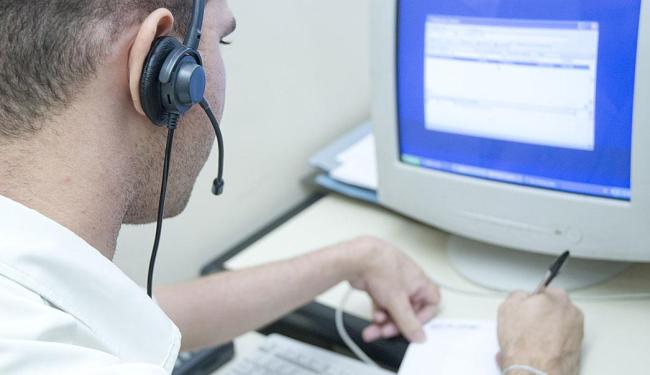 Há três vagas disponíveis para operador de telemarketing com ensino médio completo e experiência - Foto: Divulgação | CREA