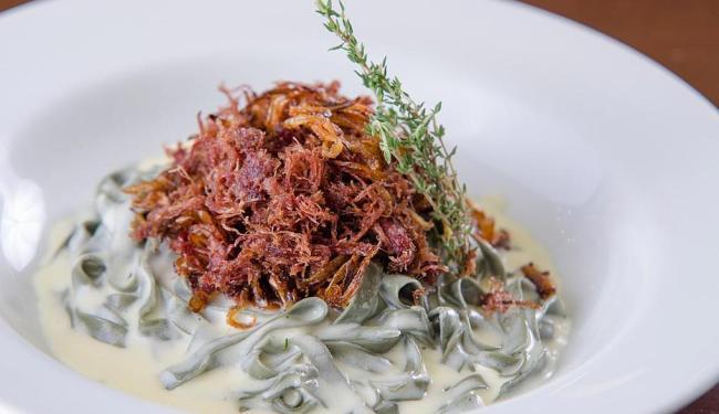 Tagliatelle de espinafre é uma das opções do La Pasta Gialla - Foto: Divulgação