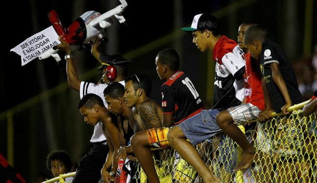 Torcida durante derrota para o Cruzeiro no último jogo no Barradão - Foto: Eduardo Martins | Ag. A TARDE