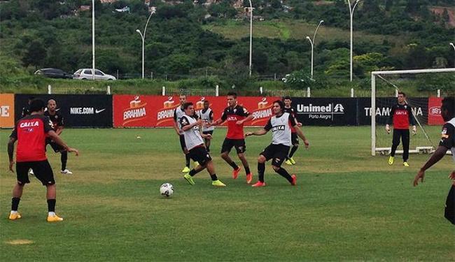 Time rubro-negro encerrou a preparação para o jogo com um rachão descontraído - Foto: Divulgação l E.C. Vitória