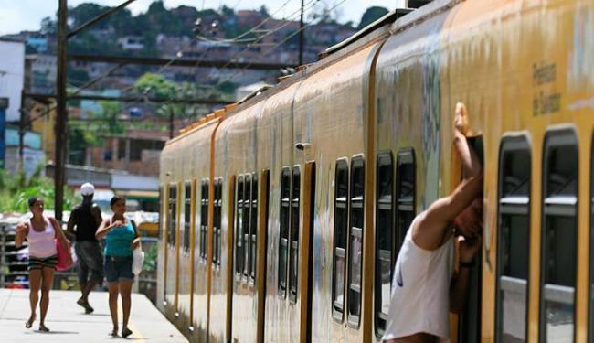 Modal vai substituir o atual trem do subúrbio de Salvador - Foto: Joá Souza | Ag. A TARDE | 17.4.2014