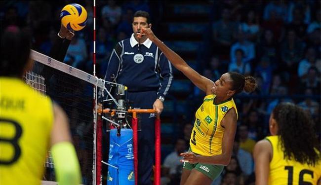 Brasil venceu dominicanas e avançou invicto à semi na Itália - Foto: Divulgação l FIVB