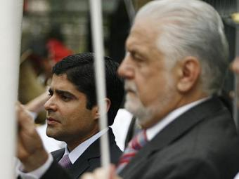 O governador Wagner e o prefeito ACM Neto mal se cumprimentaram durante a solenidade no Campo Grande - Foto: Raul Spinassé | Ag. A TARDE | 07.09.2014