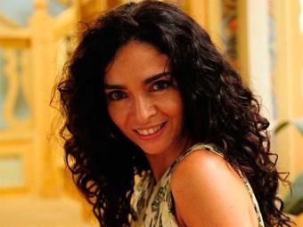 Claudia e o autor de novelas João Emanuel Carneiro são irmãos por parte de pai - Foto: TV Globo   Divulgação