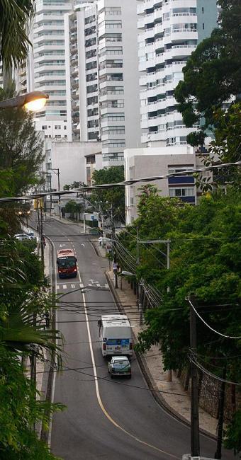 Segundo boato, prédio na Ladeira da Barra havia sido assaltado - Foto: Iracema Chequer | Ag. A TARDE