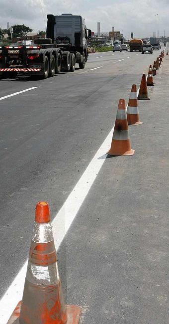 Trecho estará sinalizado para orientar motoristas durante a interrupção para instalação de passarela - Foto: Marco Aurélio Martins   Ag. A TARDE
