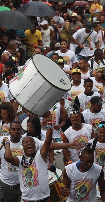 Tambores ecoaram pelas ruas do bairro da Liberdade - Foto: Lúcio Távora | Ag. A TARDE