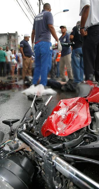 Em fevereiro deste ano, motociclista morreu ao colidir com veículo que trafegava na contramão - Foto: Marco Aurélio Martins | Ag. A TARDE | 28.2.2014