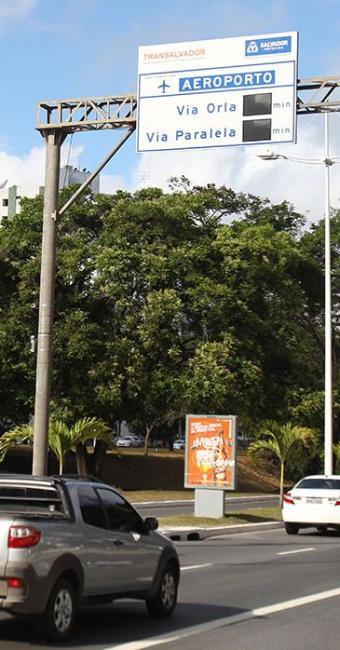 Avenida ACM recebeu um dos dois equipamentos de orientação - Foto: Lúcio Távora | Ag. A TARDE | 05.11.2014