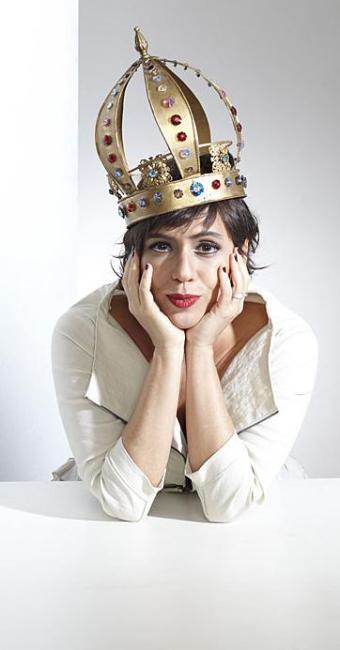 Rainha da extravagância: Silvia é o antídoto às cantoras fofas e animadoras de auditório - Foto: Arthur Nobre | Divulgação