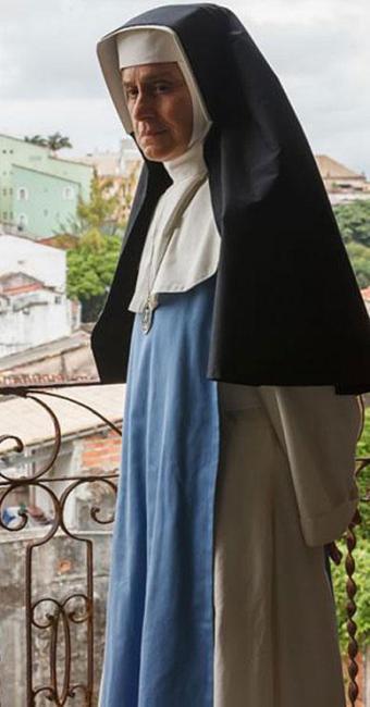 Atriz Regina Braga interpreta a freira na idade madura - Foto: Ique Esteves | Divulgação