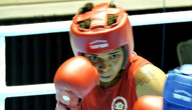 Adriana Araujo perdeu a disputa na decisão dos juízes - Foto: Reprodução