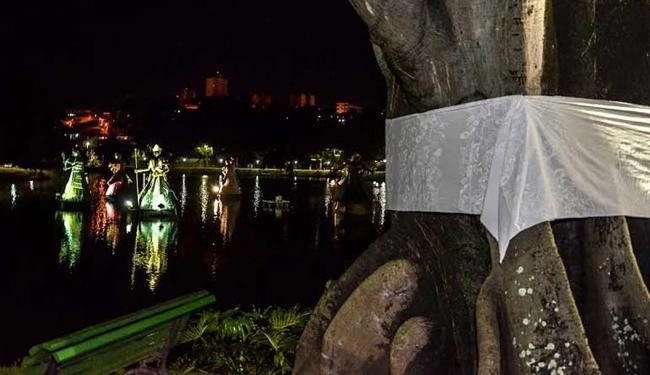 Árvores são amarradas com tecido branco pelo fim da violência contra negros e intolerância religiosa - Foto: Divulgação | Fafá M. Araújo