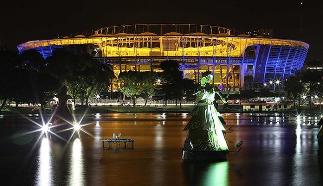 Estádio adotou iluminação especial para alertar sobre a importância do diagnóstico precoce - Foto: Divulgação l BAPRESS