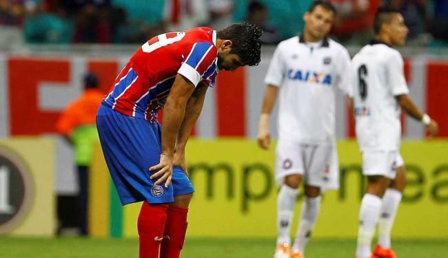 Derrota para o Atlético-PR deixa o Bahia dependendo de tropeços dos concorrentes - Foto: Eduardo Martins | Ag. A TARDE
