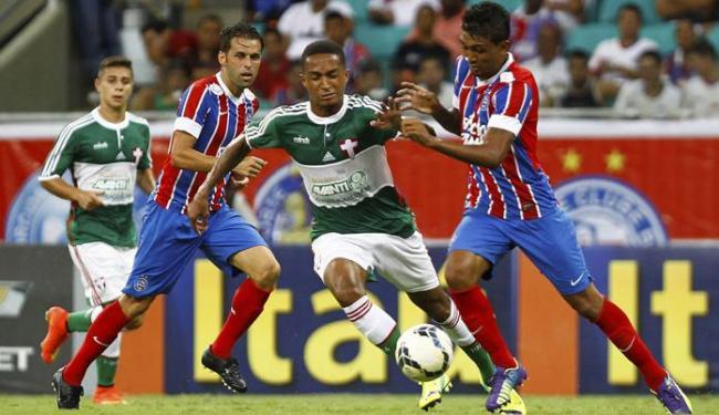 Kieza (D) em disputa de bola - Foto: Eduardo Martins   Ag. A TARDE