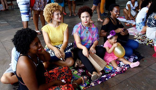Programação incluiu roda de conversa sobre beleza afro - Foto: Marco Aurélio Martins | Ag. A TARDE | 23.11.2014